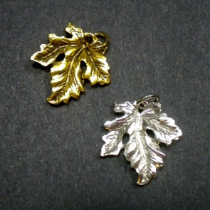 Large Ivy Leaf Charm