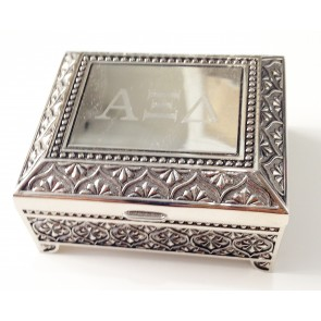 AXiD Footed Box